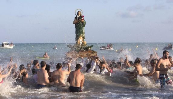 """""""Desembarcament de la patrona"""" durante las Fiestas Patronales de Moncofa"""