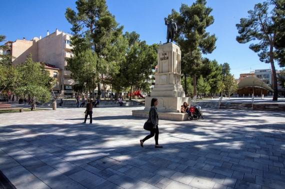 Monumento a Emilio Castelar en la localidad de Elda