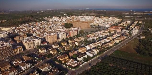 Vista aérea de la localidad de el puig en valencia