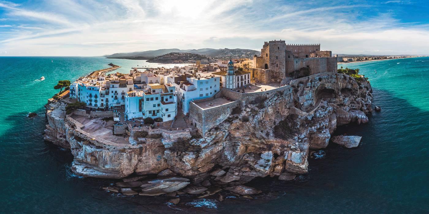 Pueblos de España que merecen ser visitados - Página 6 Vista-aerea-pe%C3%B1iscola
