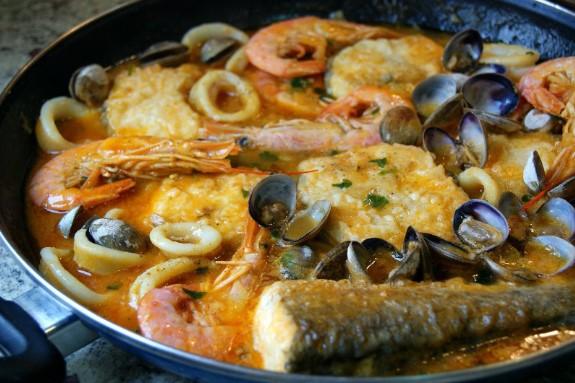 Zarzuela de pesacado, receta típica de Oropesa del Mar, Castellón